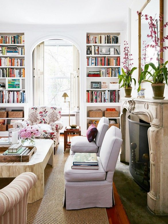 Home Tour: A Young Designeru0027s Chic Pre War Apartment