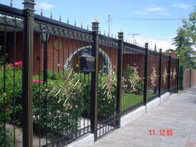 Cerco de herreria rejas y forja pinterest rejas - Verjas para jardin ...