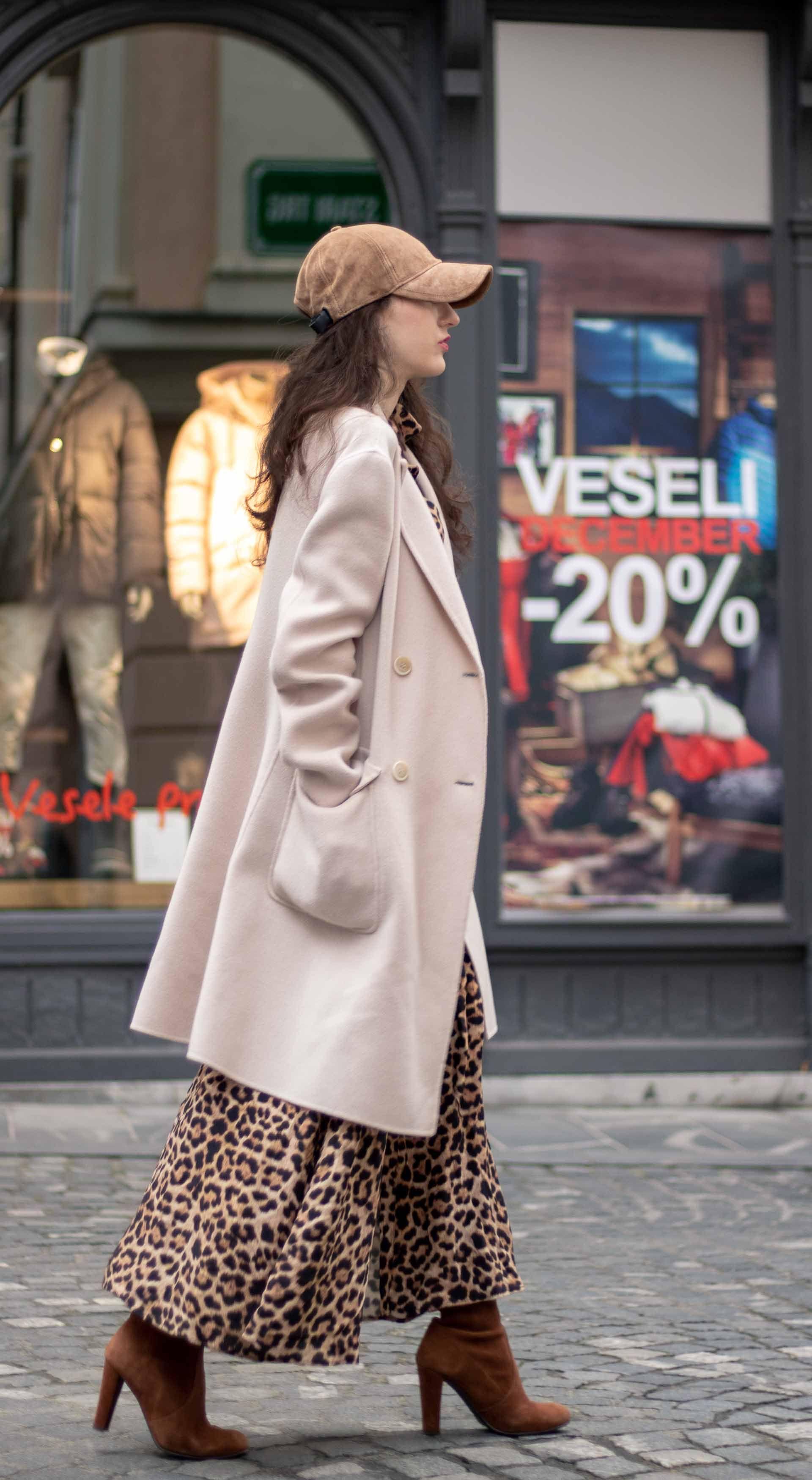 3740bfbdc34 Must follow Slovenian Fashion Blogger Veronika Lipar of Brunette from Wall  Street wearing brown Rag   Bone baseball cap
