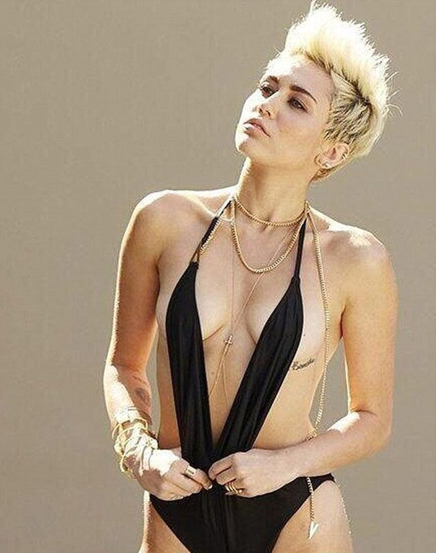 Miley Cyrus Naked With Another Girl In Shower