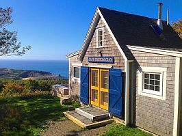 Classic Oceanside Cottage With Stunning Views Over Ocean Beach And Island Margarees Cottage Rental Coastal Cottage Cottage Beach Cottages