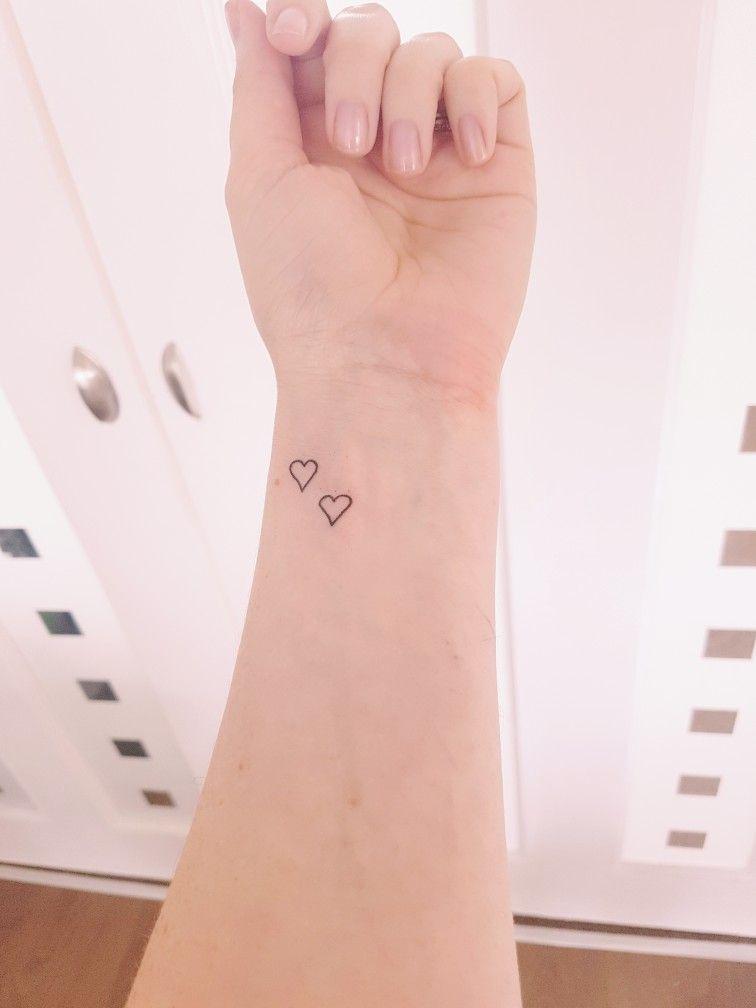 2 Hearts Tattoo : hearts, tattoo, Hearts, Wrist, Tattoo,, Child, Veins, Heart, Tattoo, Wrist,, Tattoos