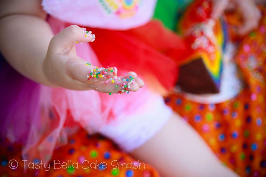 Tasty Bella Cake Smash // Sunshine Coast // first birthday // girl // rainbow // tutu // outdoor
