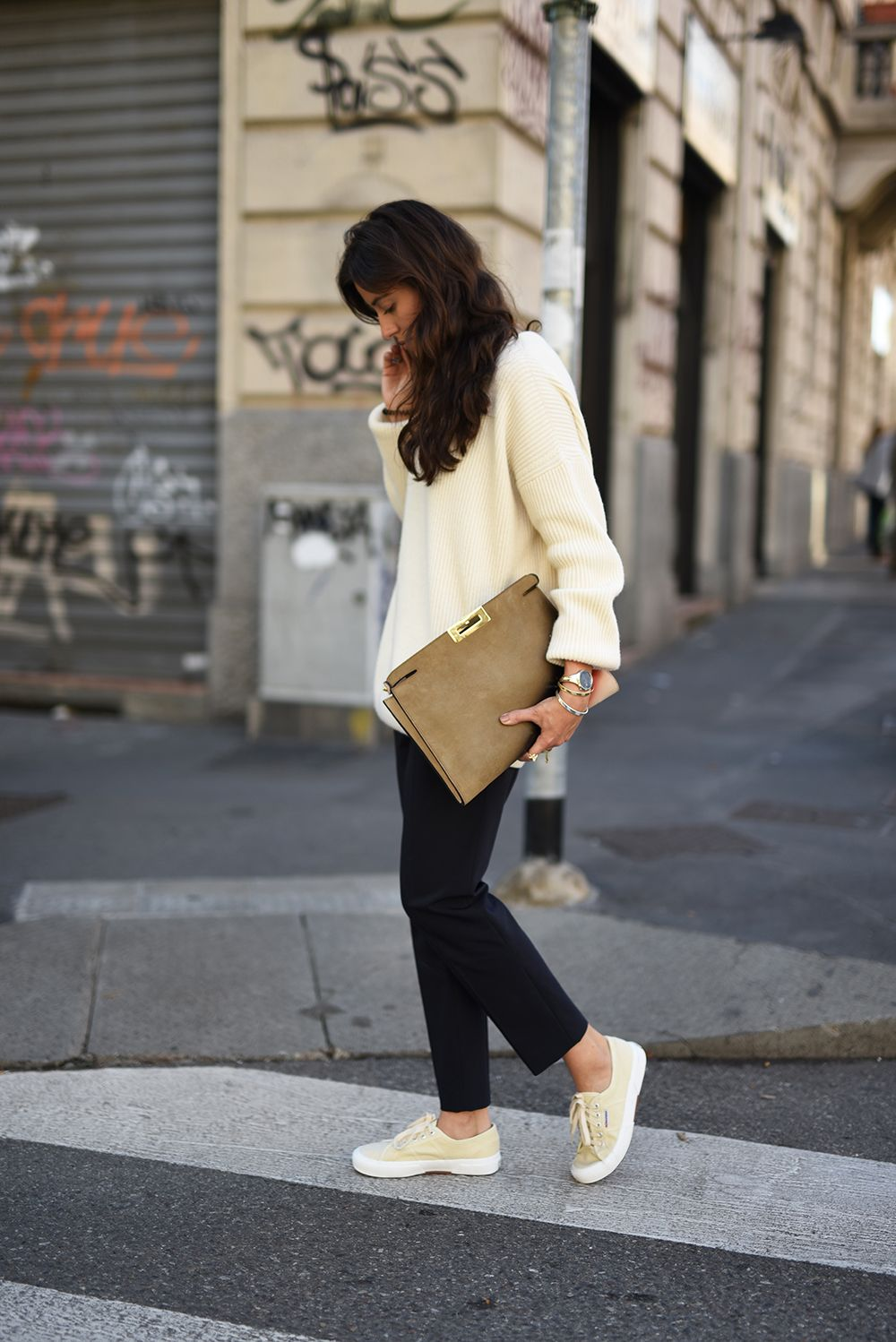 cream sneakers outfit