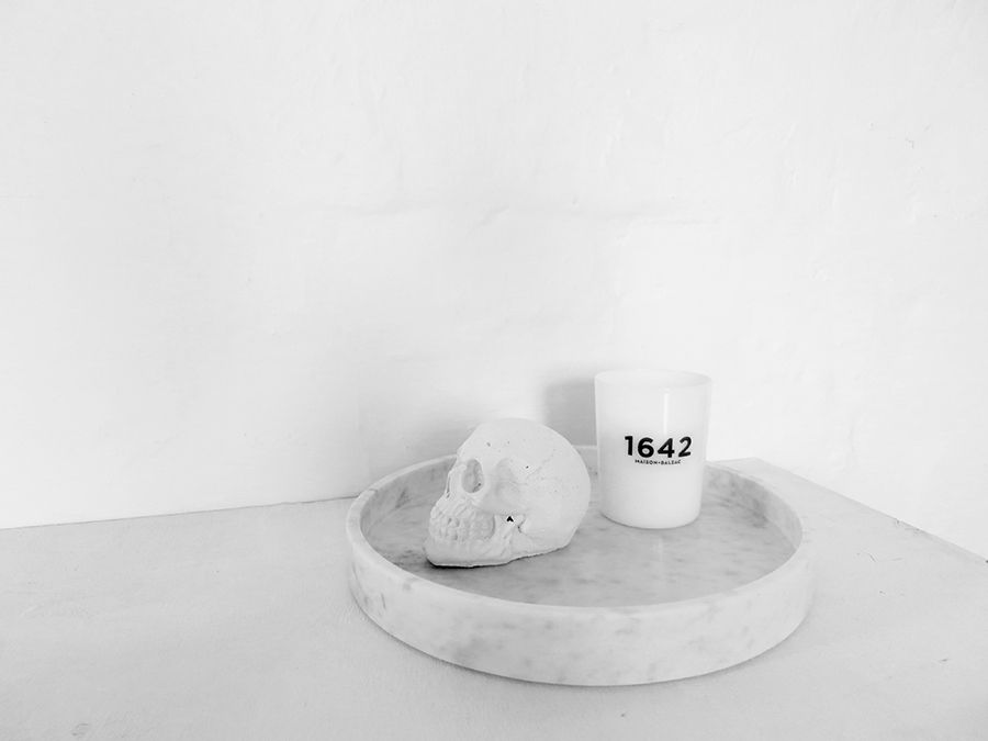 The Minimalist Home x Marble Basics and 1642 candle