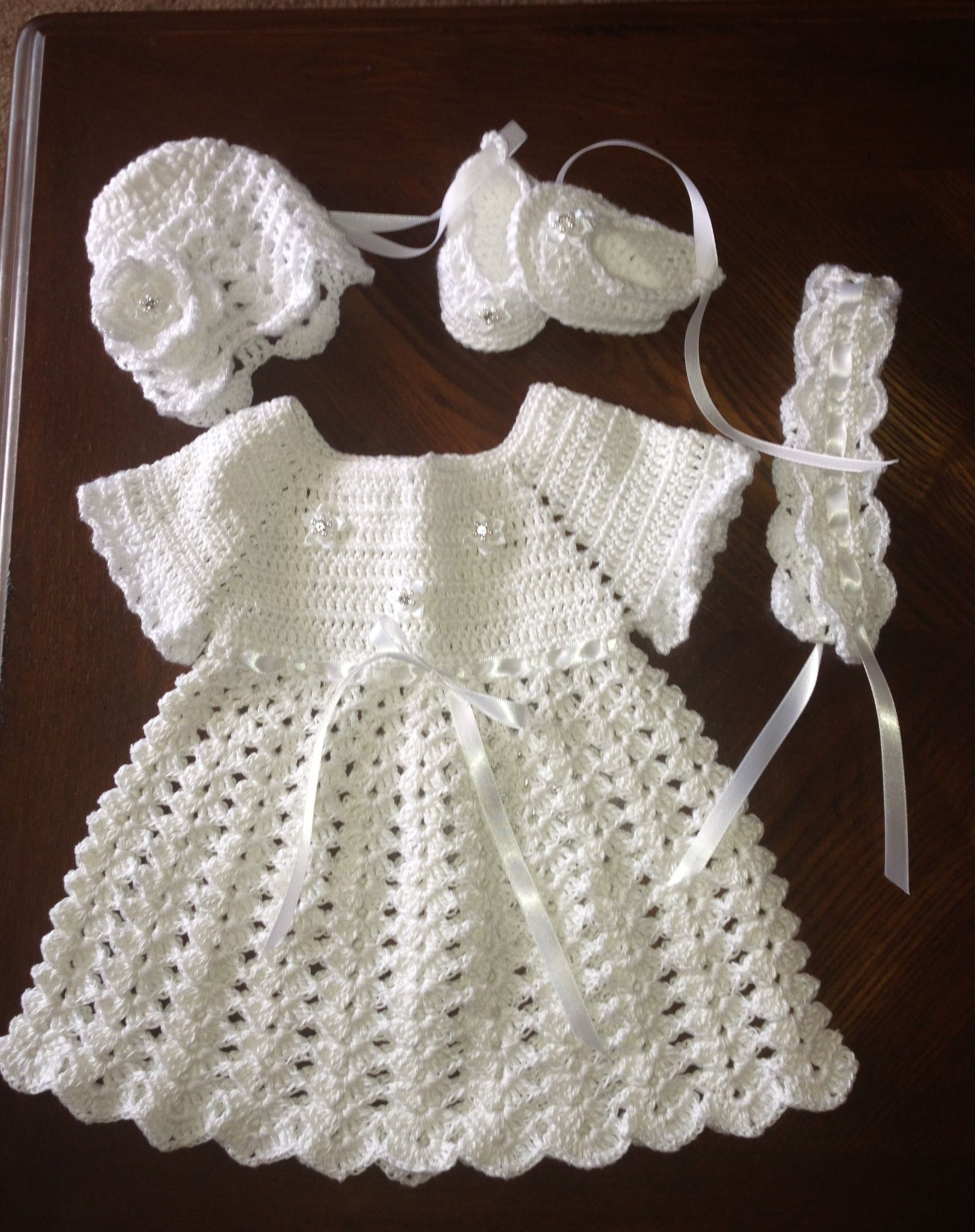 Pin By Ivonne Gastulo On My Designers Baby Creations Dress Hat Headband And Scarves The Crochet Crochet Baby Clothes Crochet Baby Dress Baby Girl Crochet [ 2047 x 1620 Pixel ]