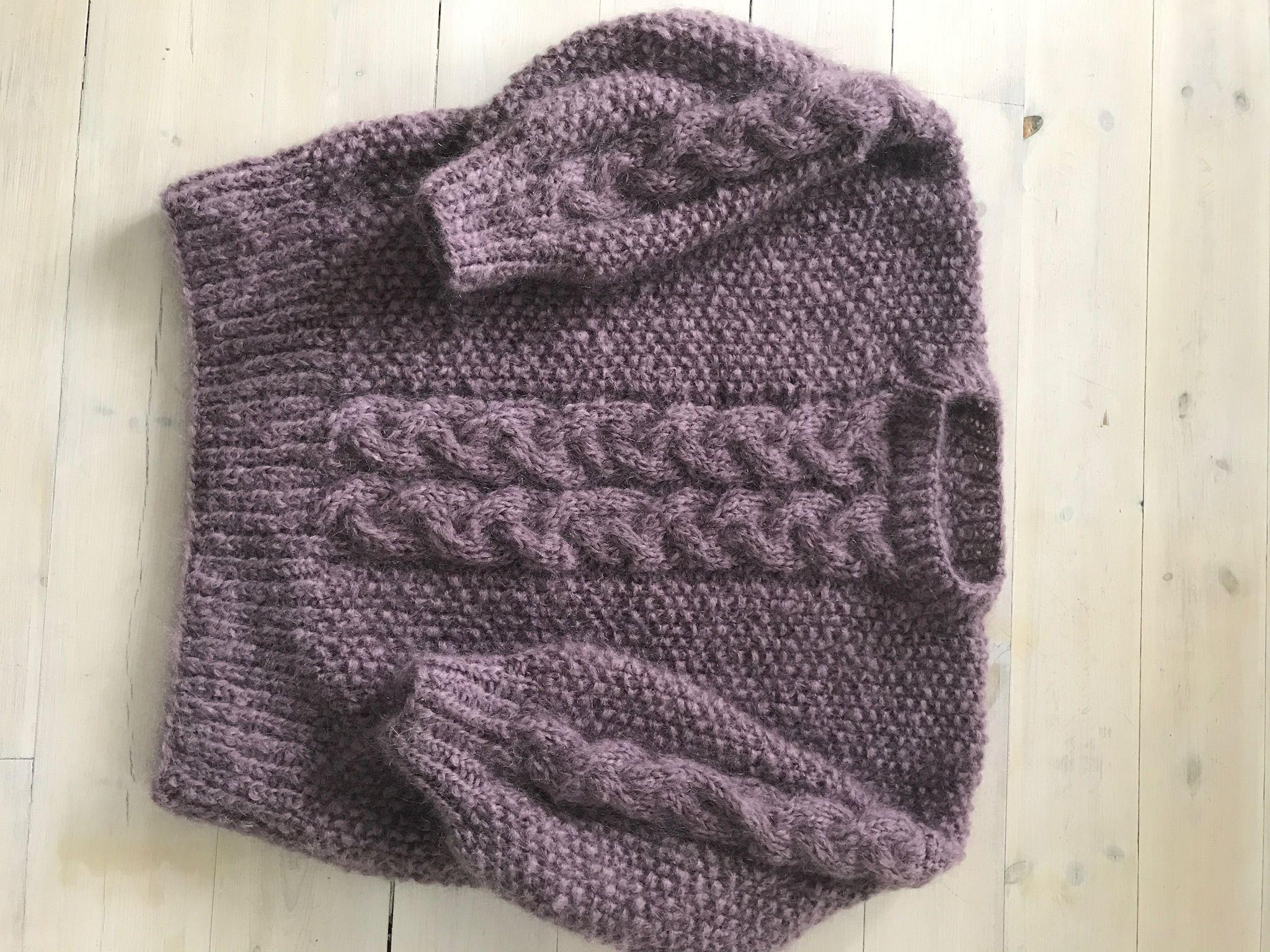 5beeca38 Tone-genseren fra Line Langmo. Strikket i Påfugl-garn | Egen strikk ...