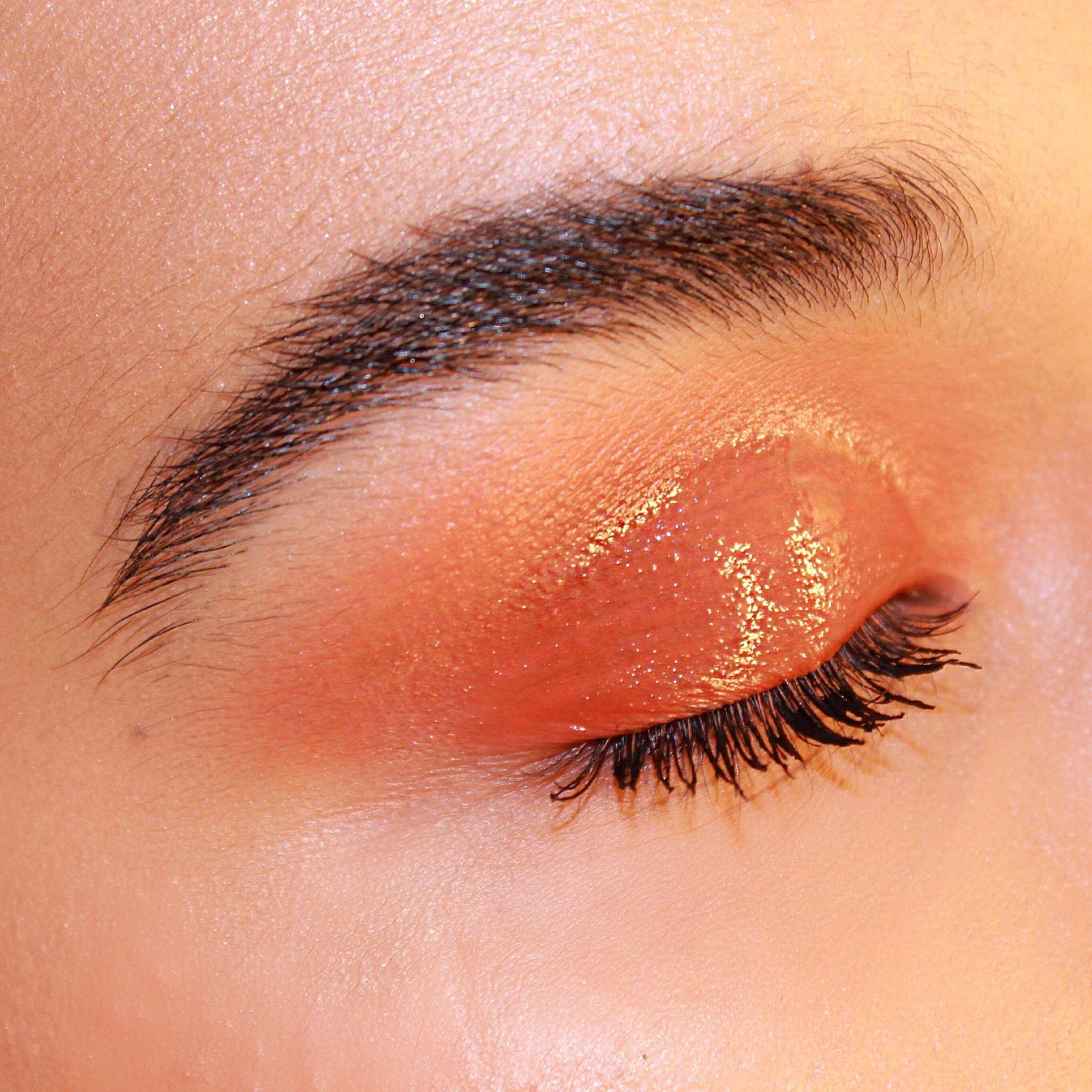 Glossy eye makeup Makeup, Glossy eyes, Eye makeup
