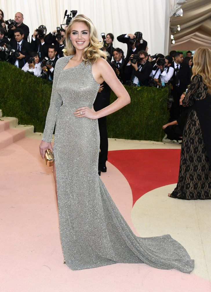 Pin for Later: Seht alle Stars auf dem roten Teppich der Met Gala Kate Upton in Topshop