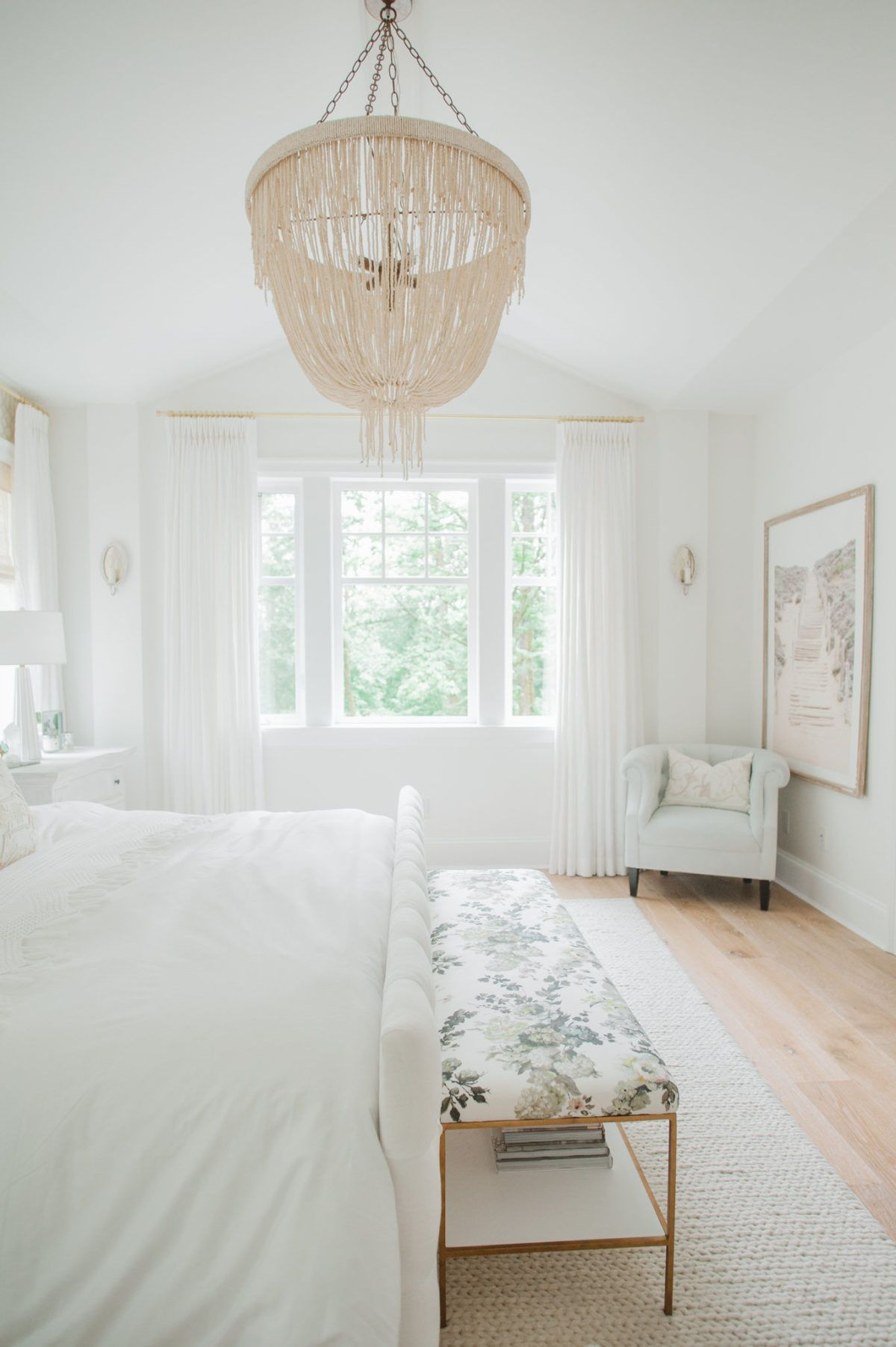 The Dreamiest White Bedroom You Will Ever Meet Спальня
