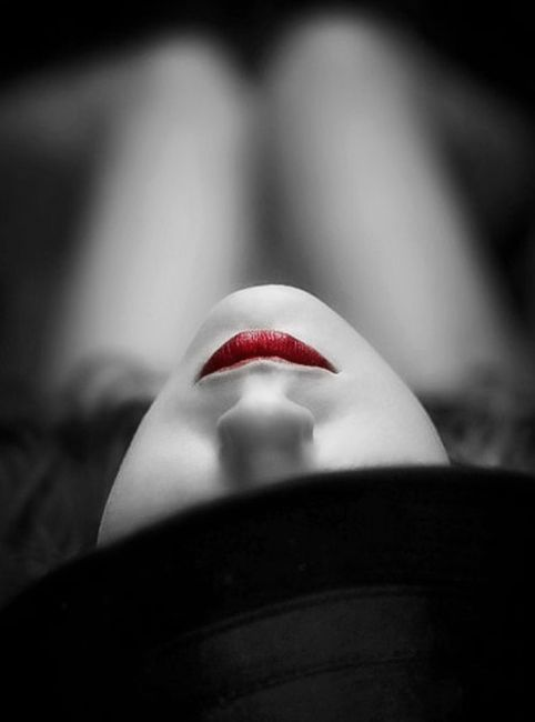 Black And White Red Lips Boudoir Tutoriel Photo Dark Beauty