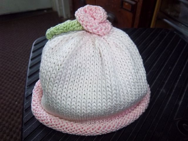 baby Rose hat | Crochet Baby Hat Patterns | Pinterest | Kindermütze ...