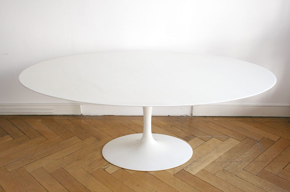 Table Tulipe Ovale En Marbre Blanc Eero Saarinen Knoll