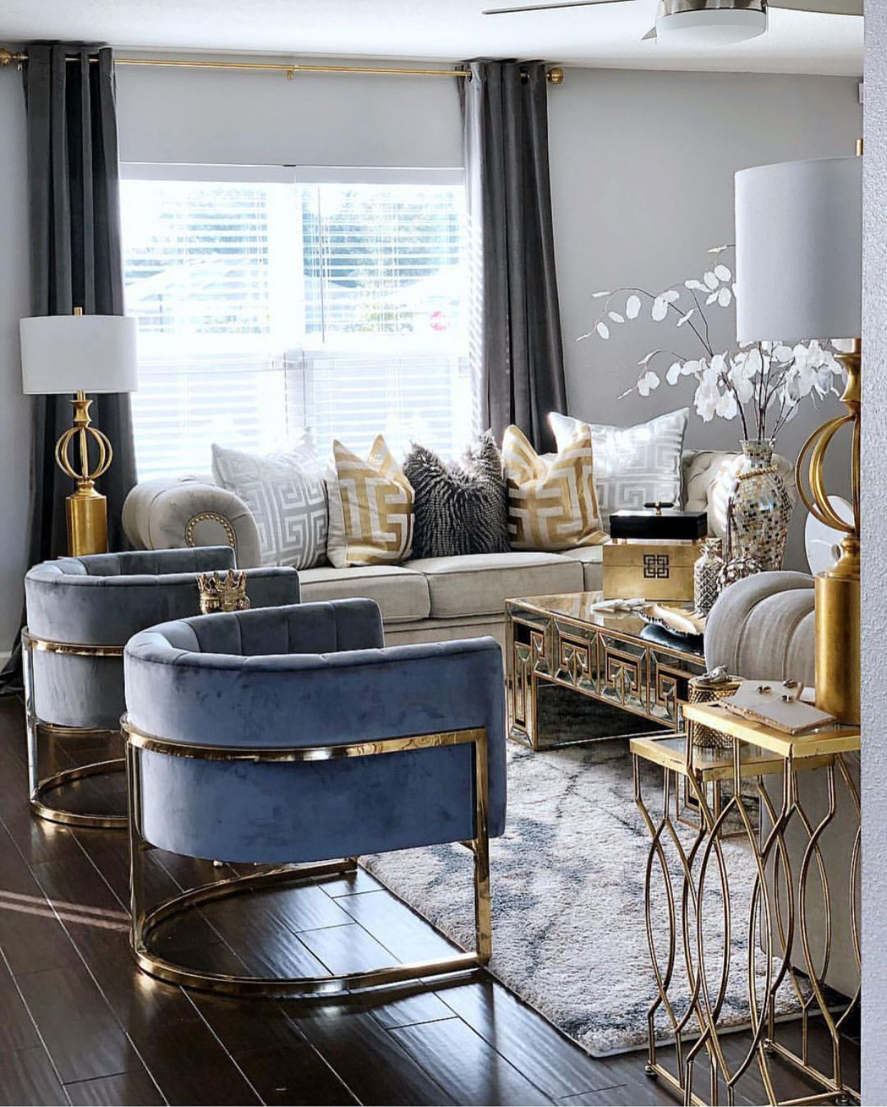 Best Blue Gold Silver Decorated Living Room With Images 640 x 480