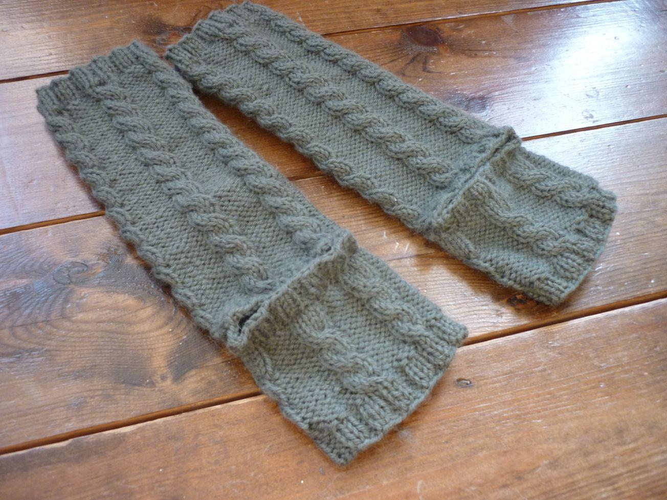 Stirrup leg warmers – free pattern   Leg warmers, Free pattern and ...