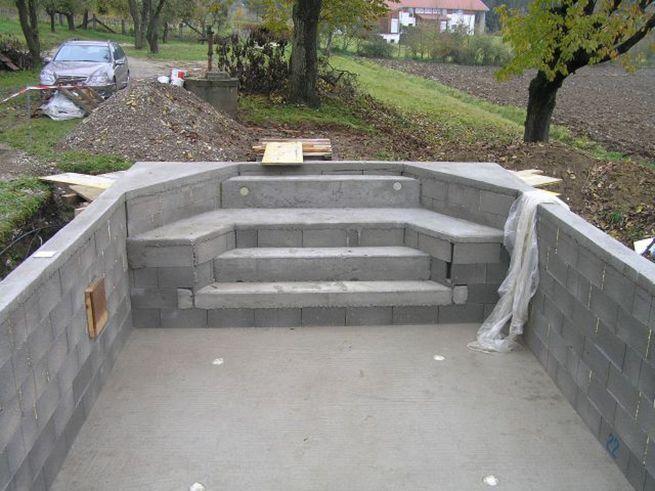 C mo construir una escalera de obra en la piscina anbau for Como se construye una piscina de concreto