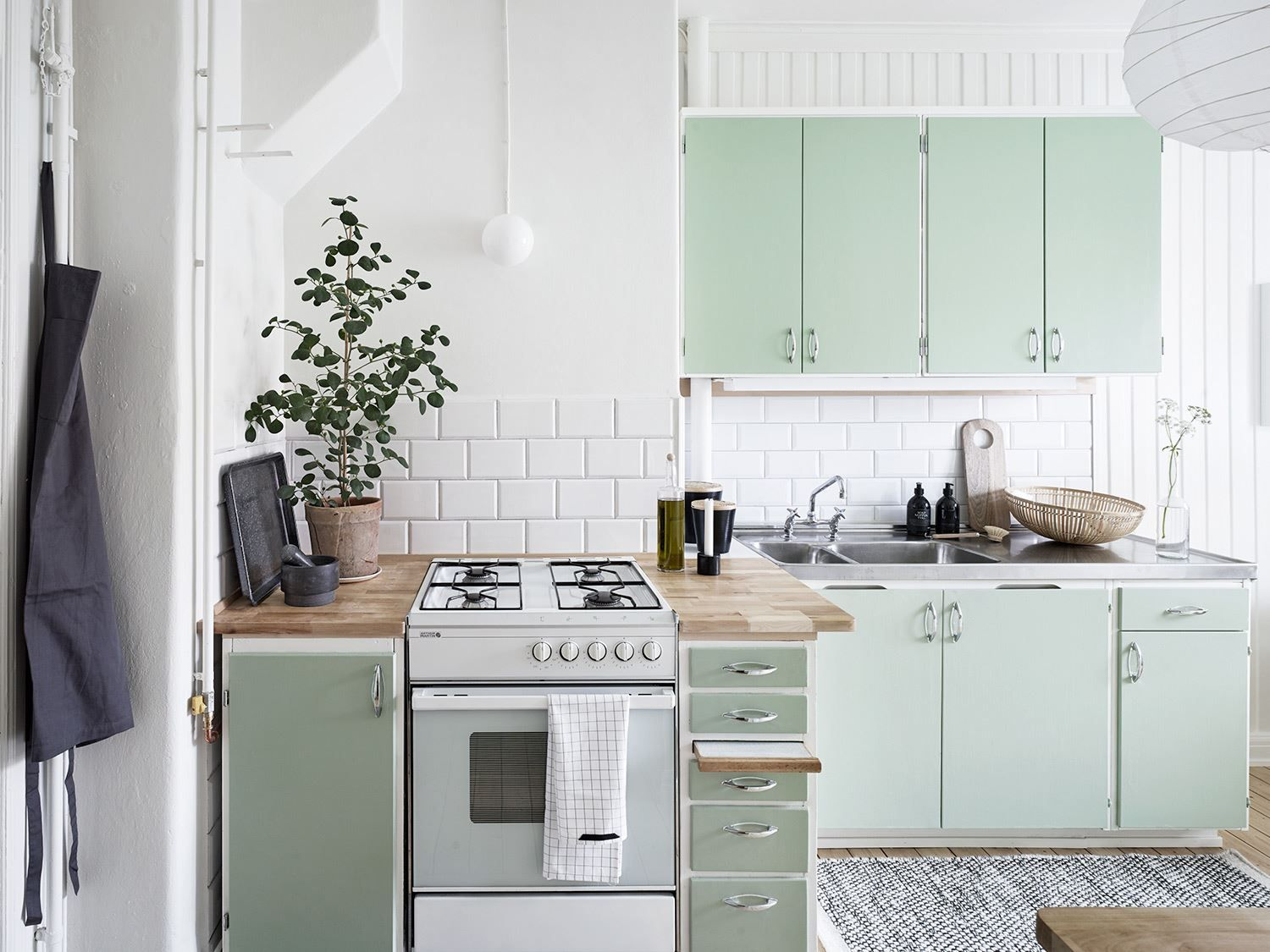 The Owner Of This Lovingly Preserved Apartment Did Something Clever In Kitchen Instead