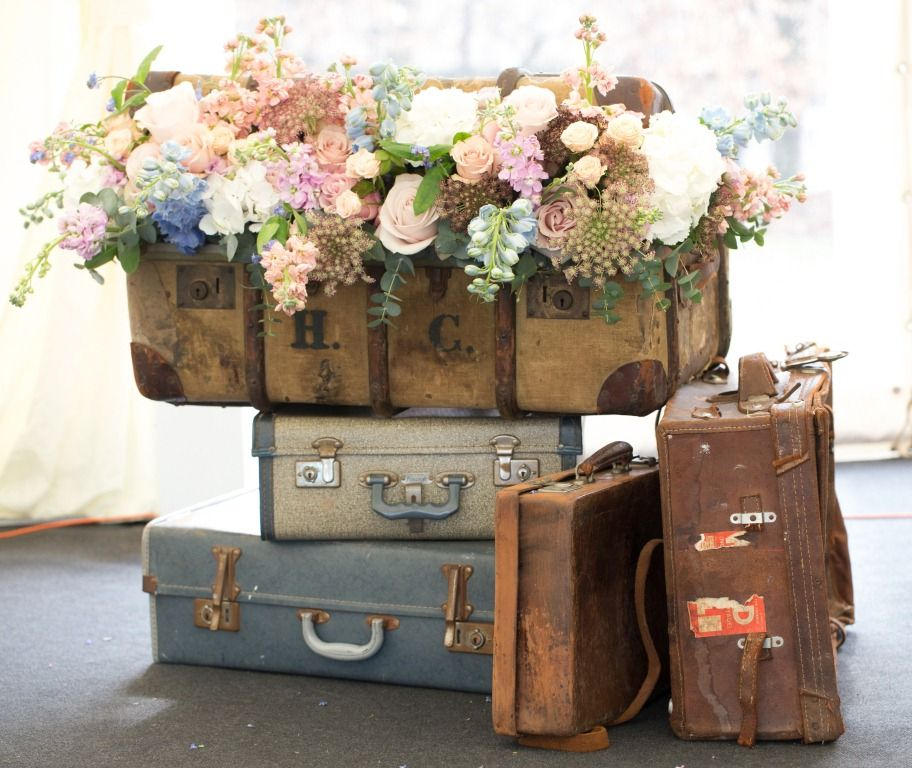 Risultati immagini per riciclo valigie