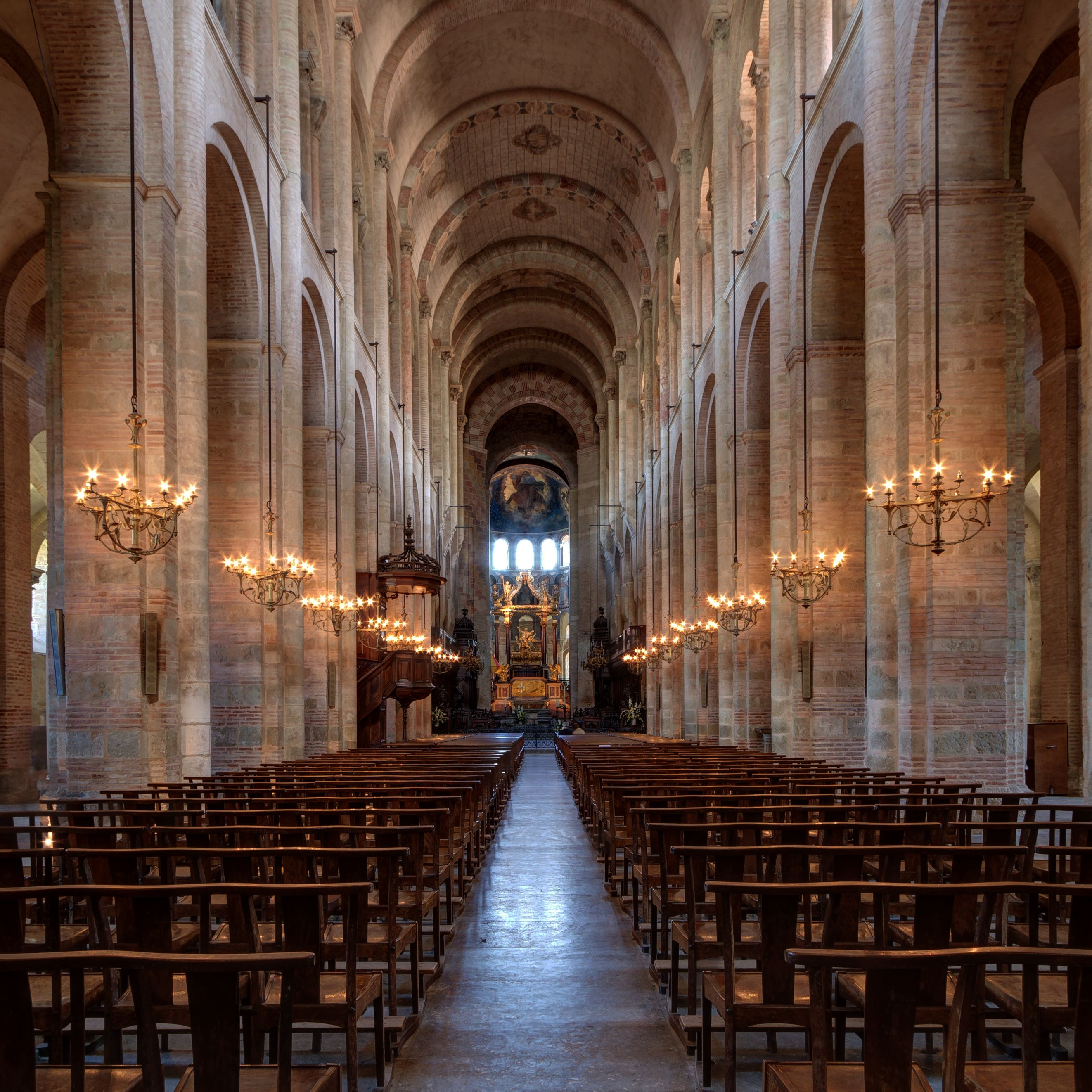 Basilica di Saint-Sernin, veduta della navata centrale, XI ...