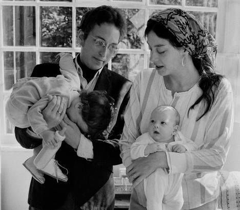 Sara Lownds And Bob Dylan