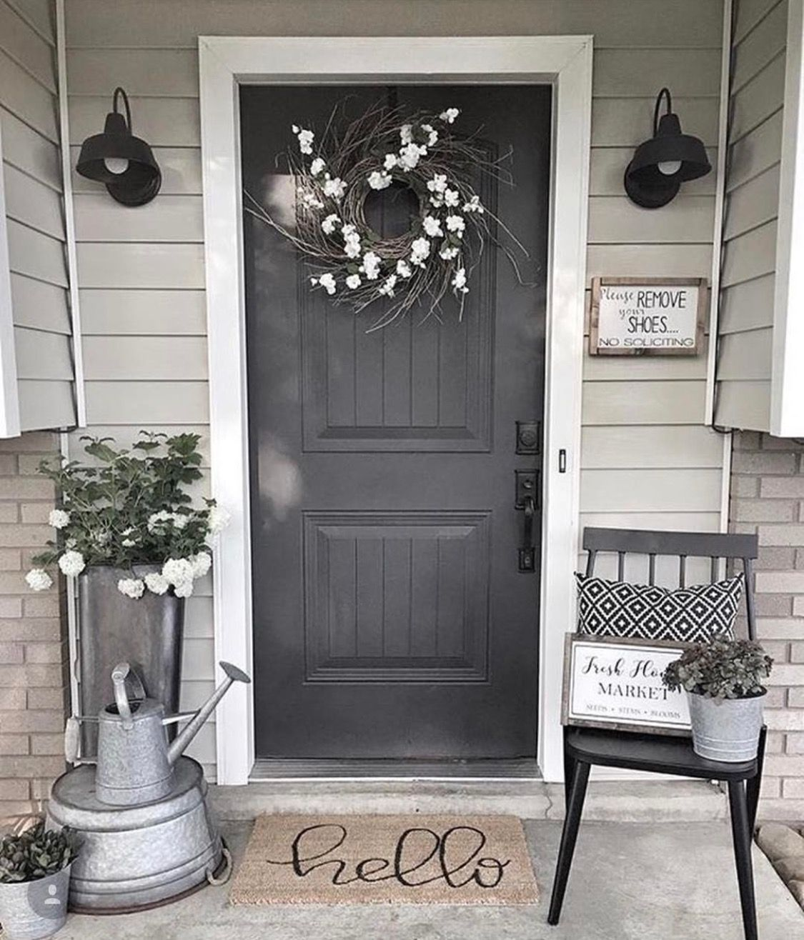 43 Awesome Front Door Farmhouse Entrance Decorating Ideas Small Porch Decorating Front Porch Decorating Farmhouse Front Porches