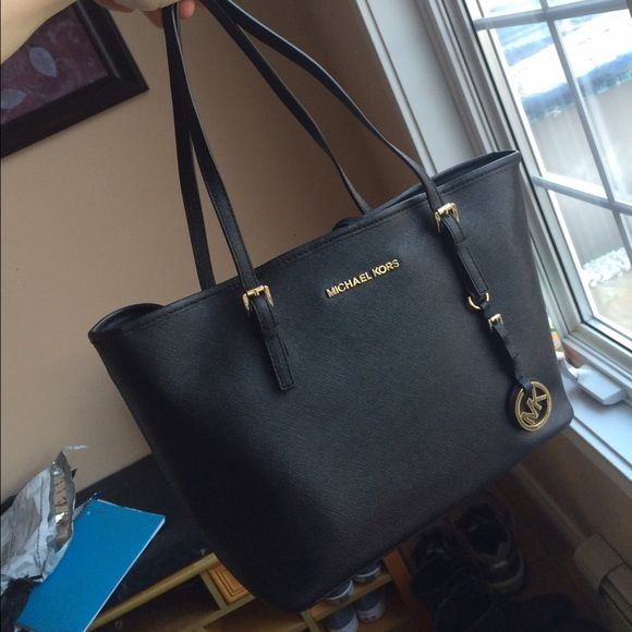 9ed122dc8d9e ... new zealand black mk tote resell thought it was bigger. mk black tote  perfect condition