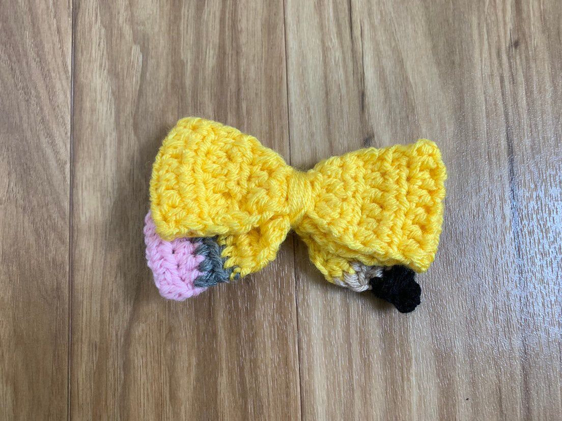 Crochet Pencil Bow, Pencil Bow, Crochet Bow, Back to School Accessory, Back to School Outfit, First Day of School Bow, First Day of School #firstdayofschooloutfits