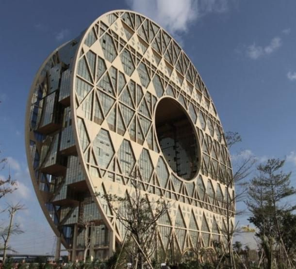 China's wild circular skyscraper opens in Guangzhou [slideshow]