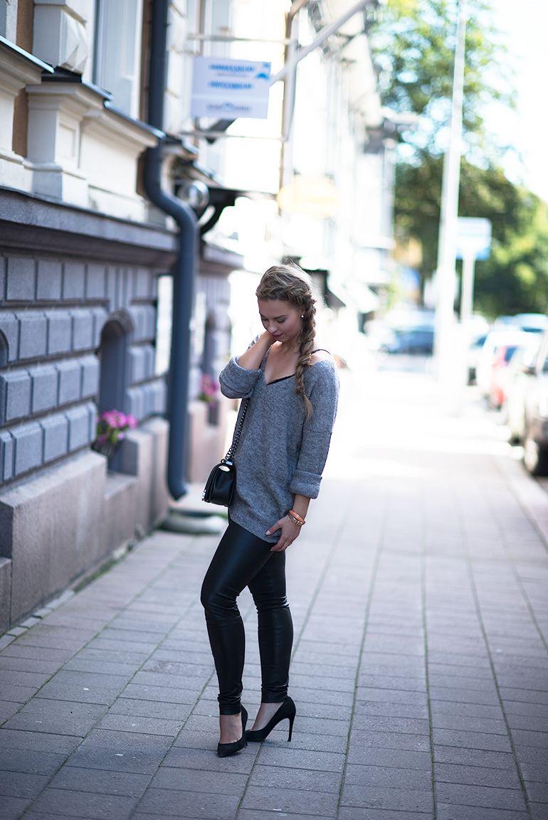 http://monasdailystyle.fitfashion.fi/2015/10/02/nahkahousut-ja-ajatuksia-kauneudesta-onnellisuuden-mittarina/