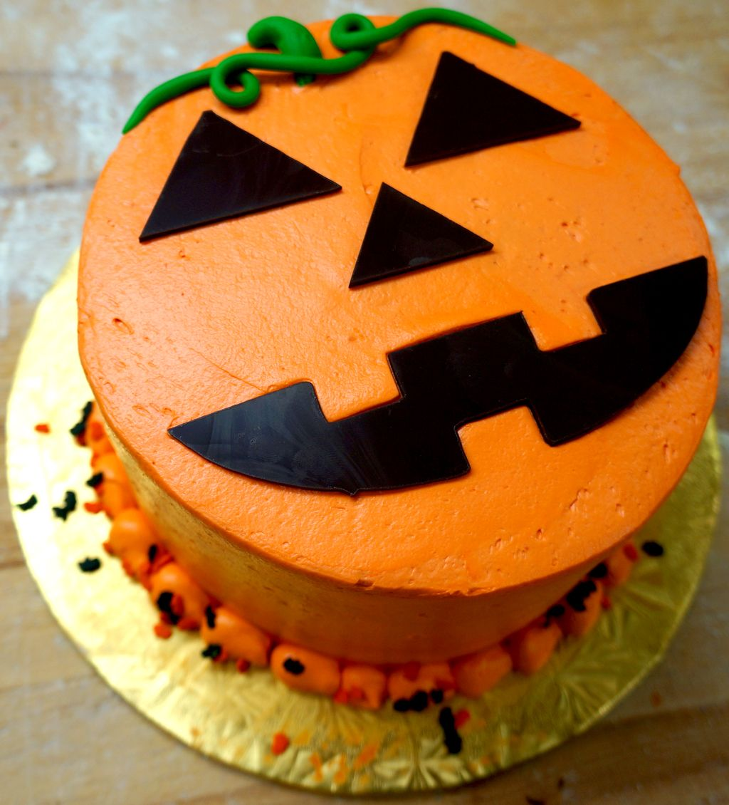 Halloween Cake Decorations Halloween Cakes Halloween Cake