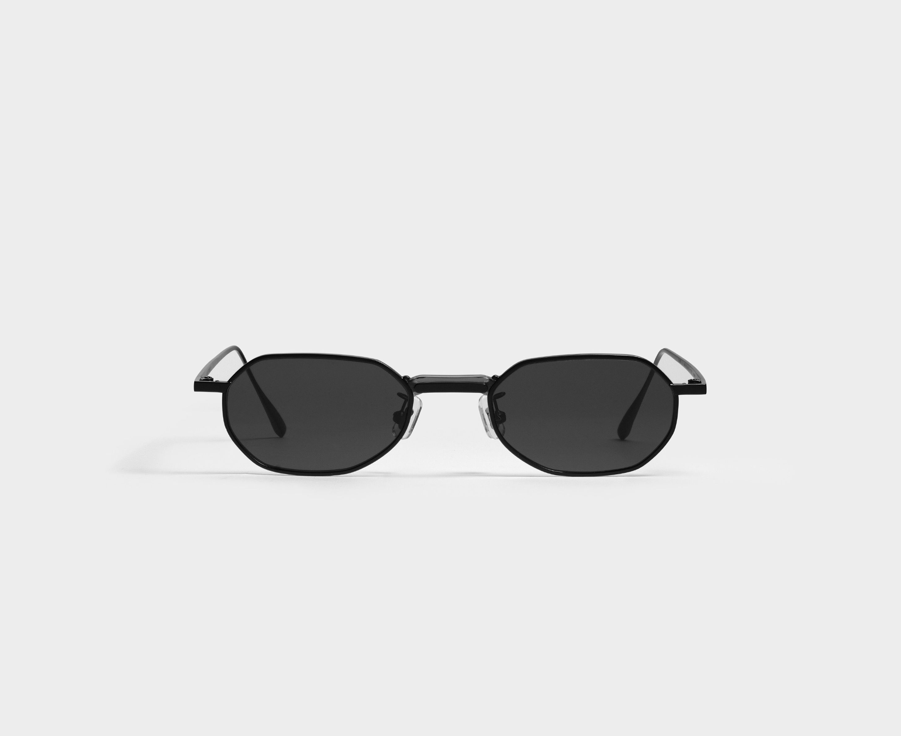 The Voyager M M01 Is An Octagonal Frame Re Invented With A Unique Connector Bridge This Style Updates Aspects Of Stylish Glasses Glasses Fashion 90s Glasses