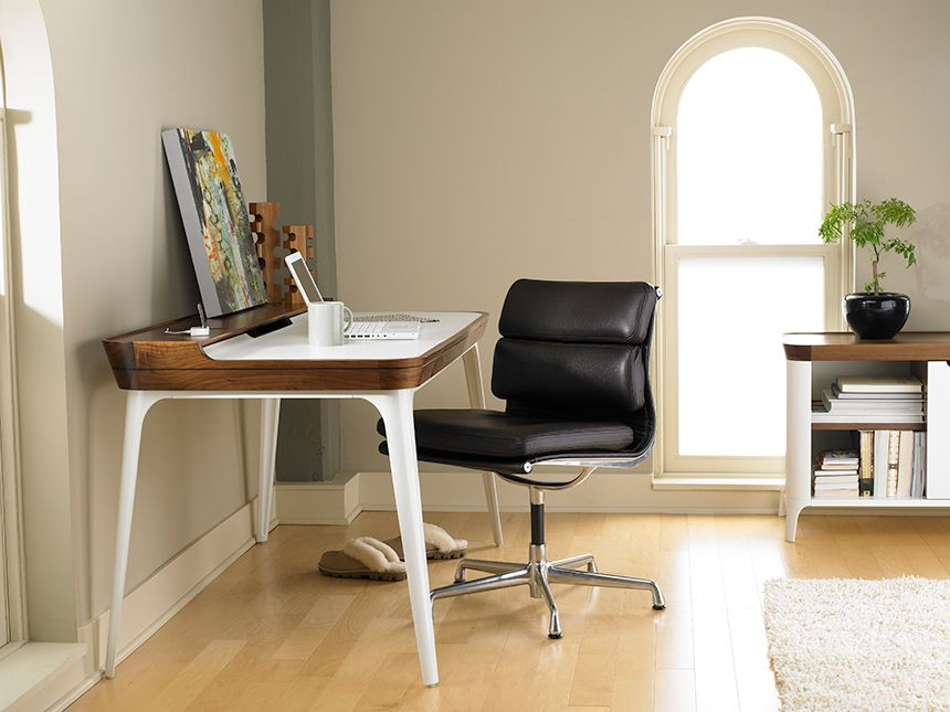 Photo of Eames Soft Pad Management Chair