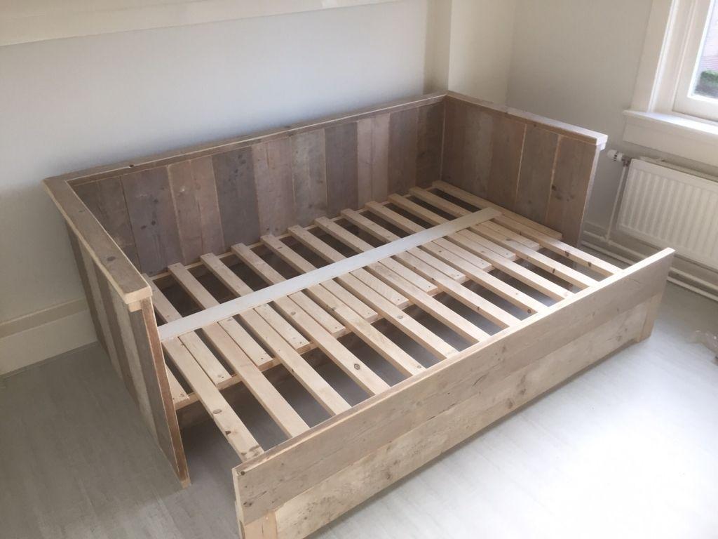 Bedbank van steigerhout uitschuifbaar naar 2persoons ksk