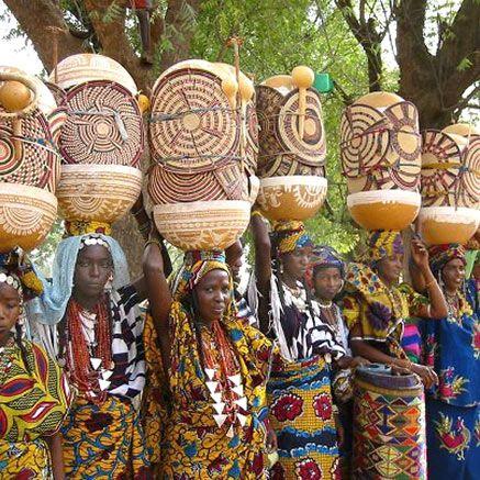 437px-437px-Parade-of-Women's-Fulani-in-Niger.jpg