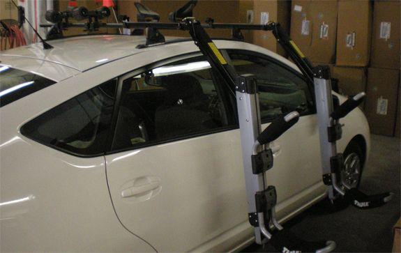 2008 Toyota Prius Kayak Roof Rack Yakima Landing Pad 1