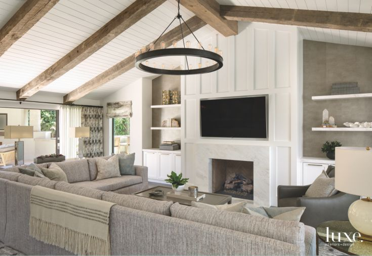 amazing living room built ins reclaimed wood tv | Reclaimed Wood Vaulted Ceiling Living Room with TV Over ...