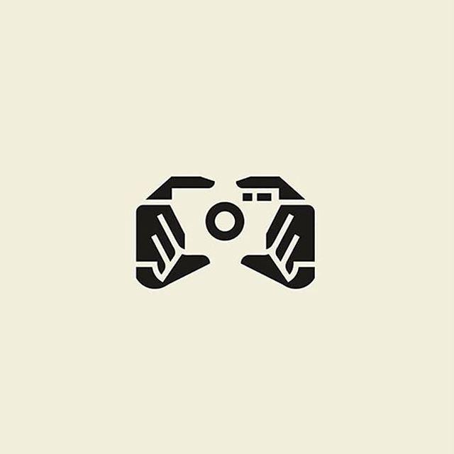 Logodesign Logodesigns Place Instagram Photos And Videos Camera Logos Design Photography Logo Design Logo Design Negative Space
