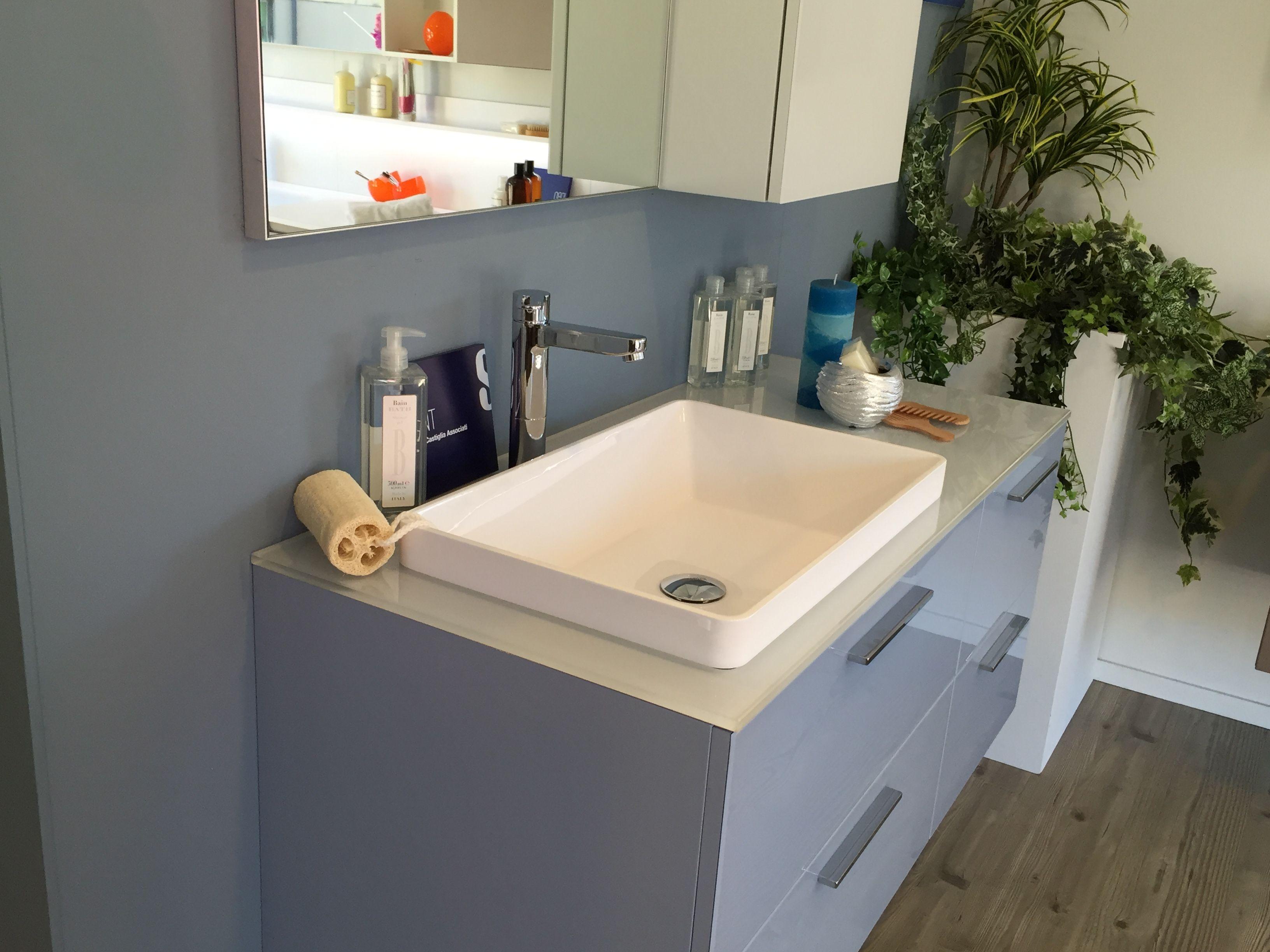 Scavolini Bagno ~ Bagno scavolini modello font anta vetro lucido colore azzurro