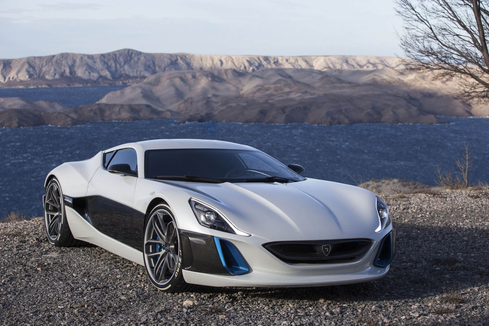 Rimac Upgrades Concept One Electric Supercar To Take On The World Luxury Hybrid Cars Hybrid Car Super Cars
