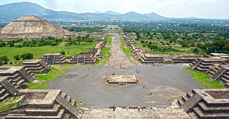 Pyramids And Shrine Of Guadalupe Tour Olympus Tours Mexico City Mysterious Places On Earth Teotihuacan Mexico Tourism