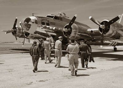 Army Air Corps - Flight Crew - Ground Crew - WWII - World