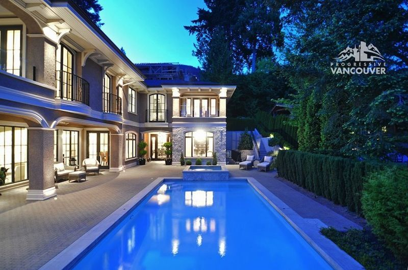 Stunning Westmount Residence, 3363 Mathers Avenue, West Vancouver, British Columbia, Canada, V7V 2K6 - page: 1 #mansion #dreamhome #dream #luxury http://mansion-homes.com/dream/3363-mathers-avenue-west-vancouver-british-columbia-canada-v7v-2k6/