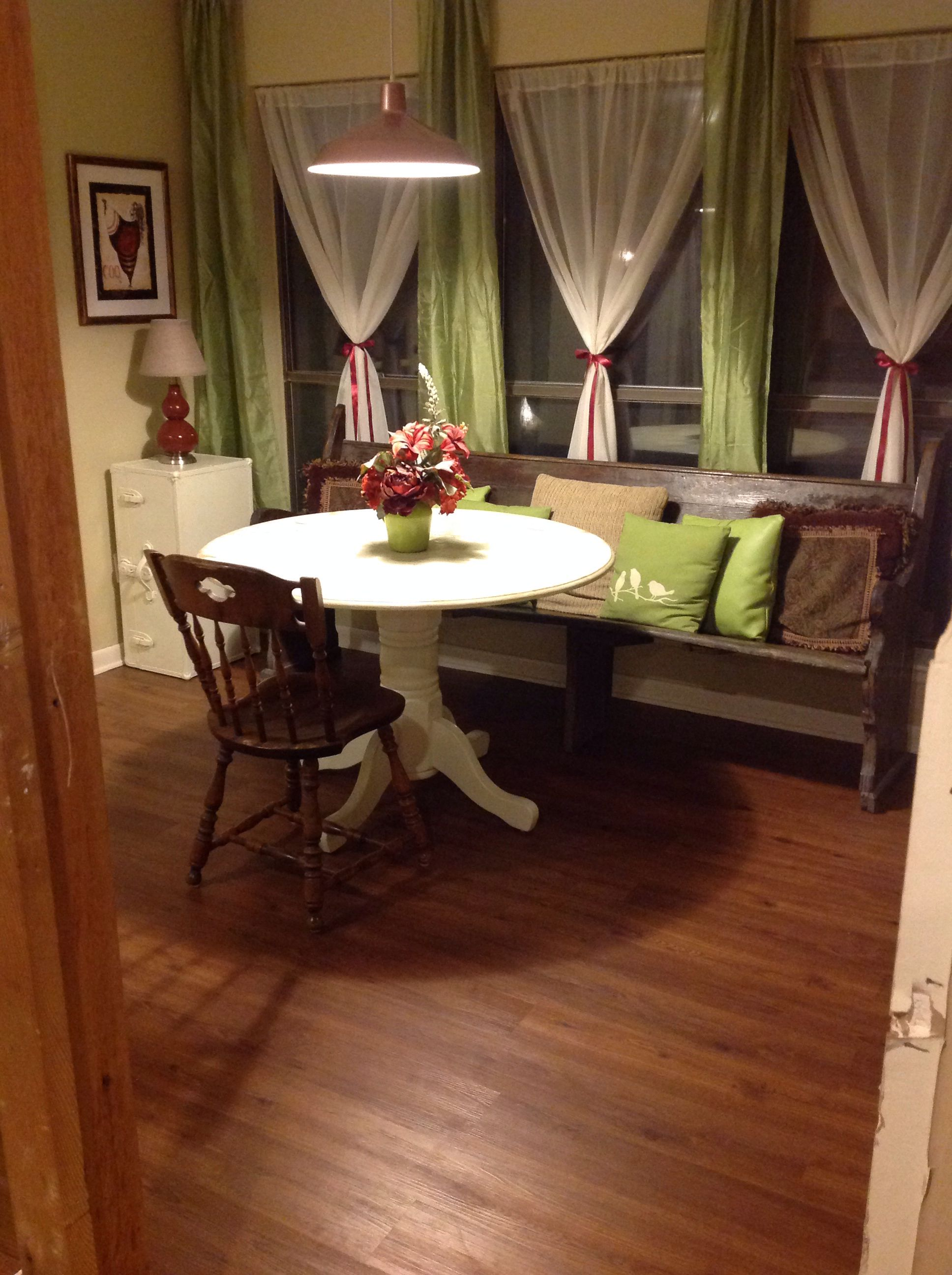 Dinning room decorated on garage sale, resale, outlet