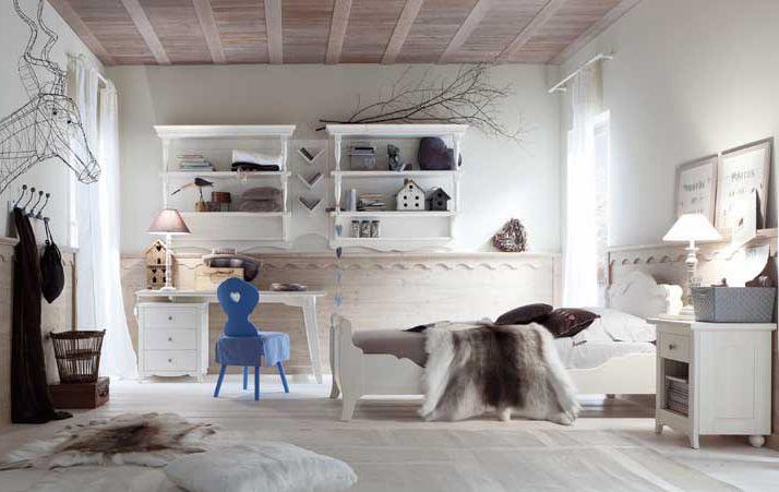 camerette classiche in legno massello di abete lavorato in Italia ...