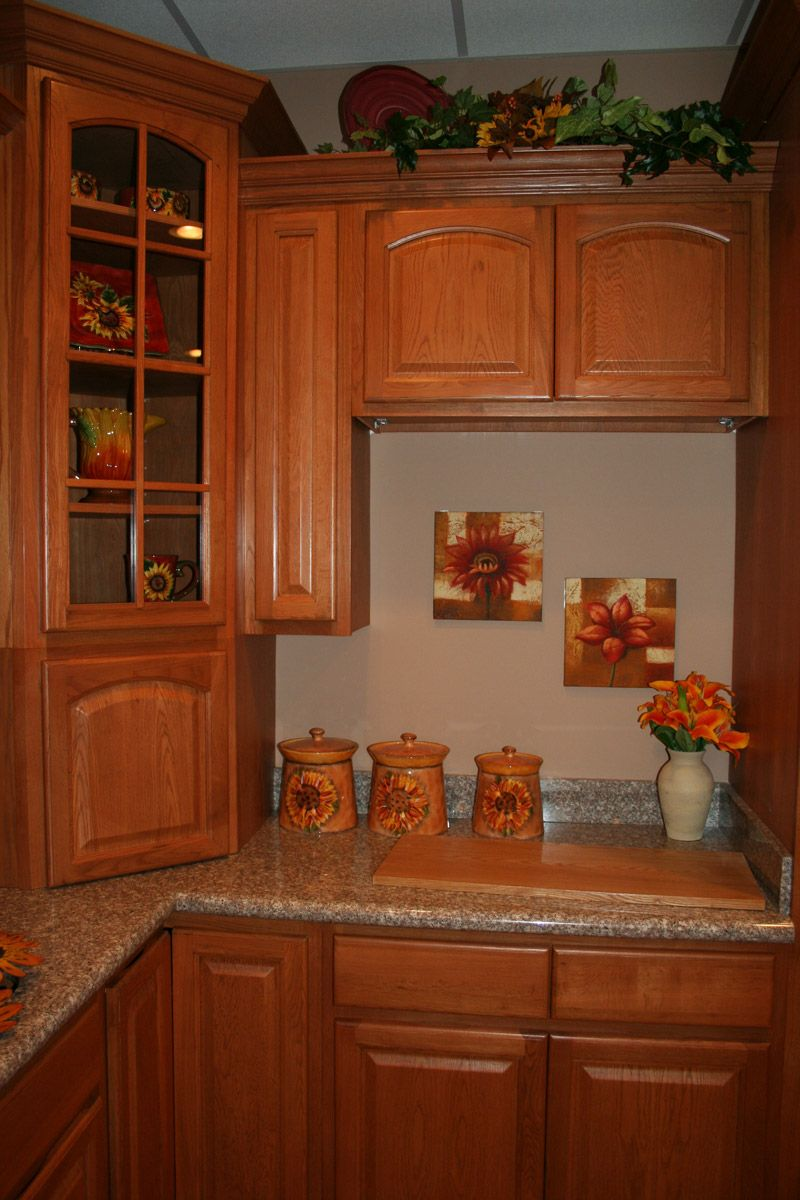 Best Cinnamon Oak Kitchen Cabinets Design Oak Kitchen 400 x 300