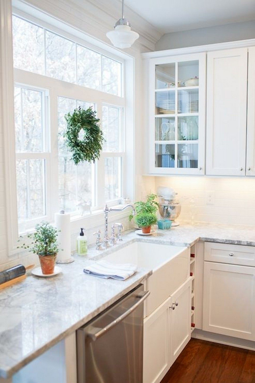 64 Farmhouse Sink With White And Gray Marble Counter In 2020