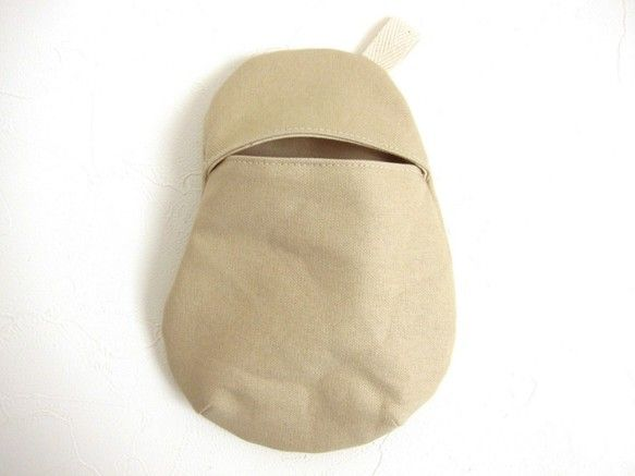 [mame pouch M]まめのかたちちいさくて薄い、すこしだけの ポーチです。細かいものをまとめたりかばんが小さくて、いつものポーチが入らないとき身軽でい... ハンドメイド、手作り、手仕事品の通販・販売・購入ならCreema。