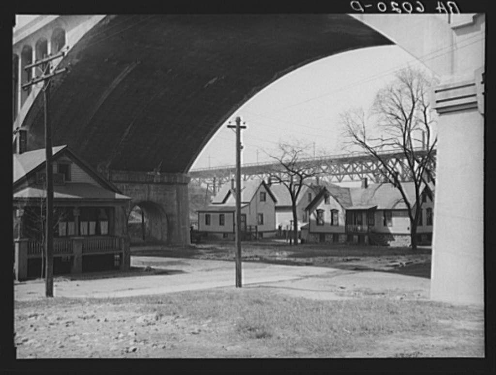 Junk Yards In Milwaukee Wisconsin >> Pigsville Under The Wi Ave Viaduct Milwaukee Wisconsin