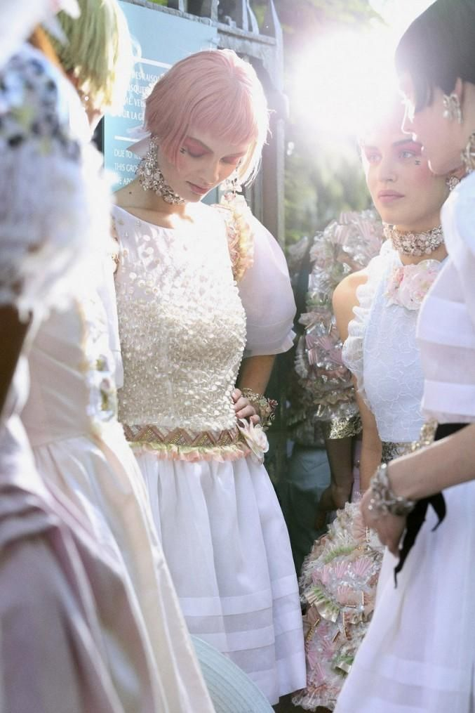 CHANEL BACKSTAGE