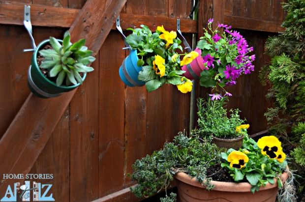 Urban garden do it yourself fence planter gardens home for Do it yourself landscaping